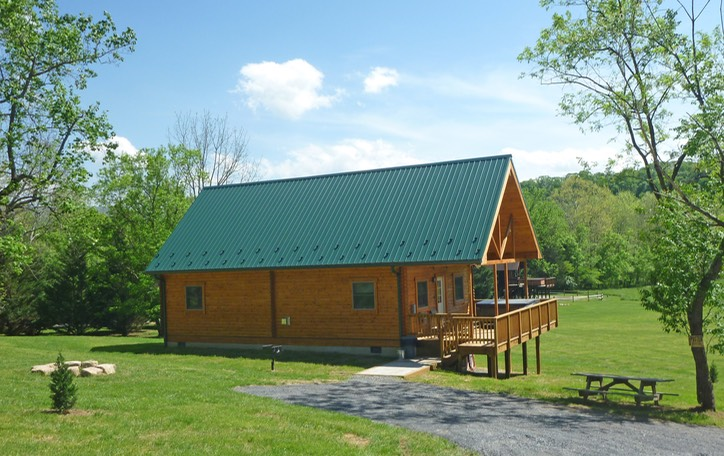 The river lure at 20 shenandoah river log cabins for Log cabins in shenandoah valley